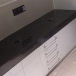 blat łazienkowy z granitu Jet Black